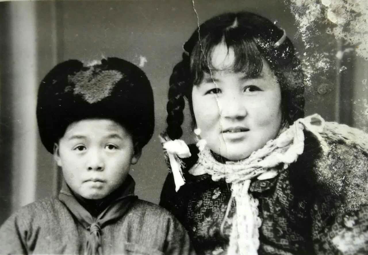 Haobisi and his mother